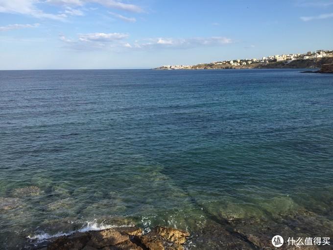 远处是拉菲那港口