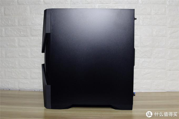 安耐美360水冷+安钛克RGB机箱+ROG外设花费上万,装机真香