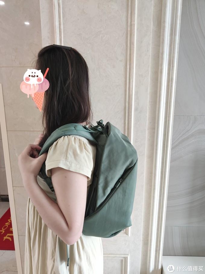 实力圈粉----ELECOM宜丽客防盗双肩包简评