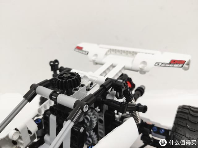积木 沙漠赛车,让孩子在拼搭中感受机械传动带来的速度与激情