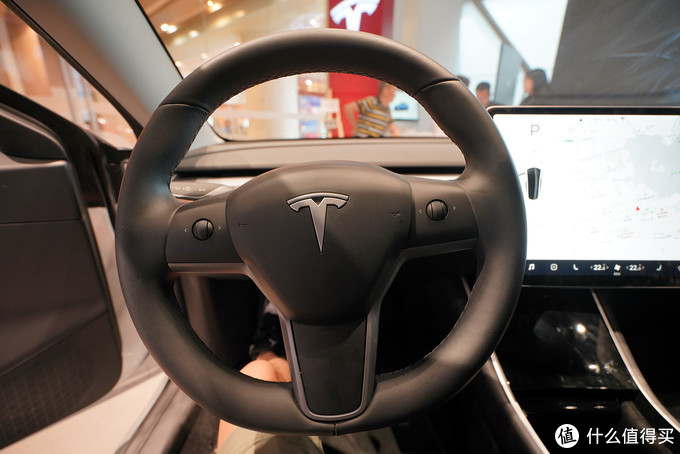 想说爱你不容易——特斯拉 Model 3试驾体验测评