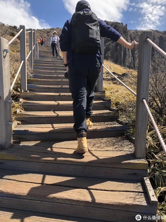 满载的Mantis,在韩国的汉拿山,真的很能装。