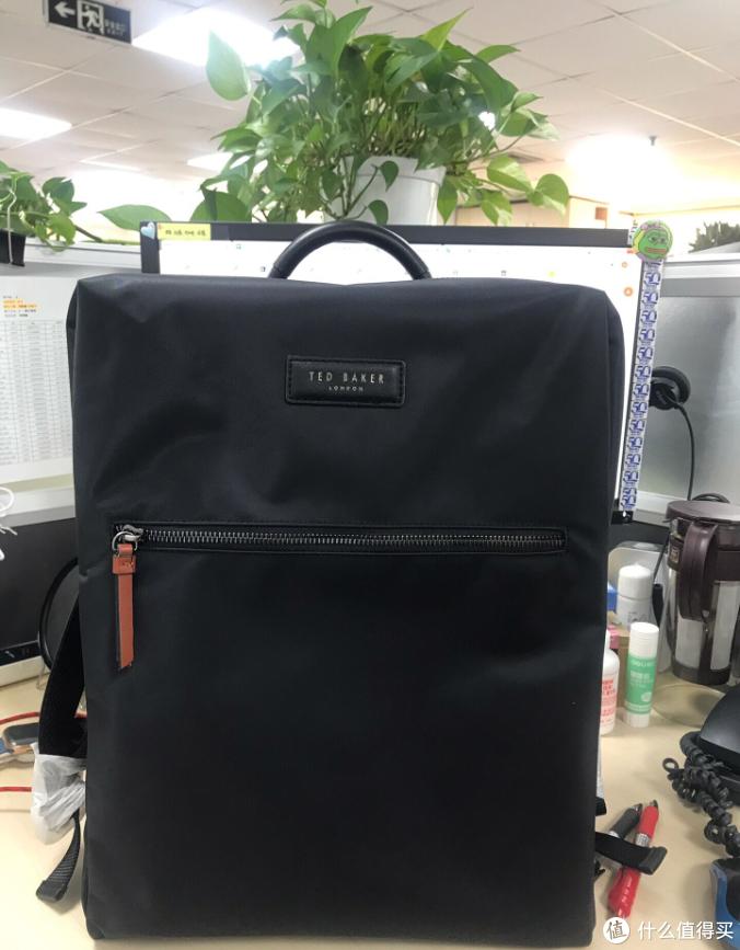 非常规EDC之开箱验货-TED BAKER 双肩电脑背包