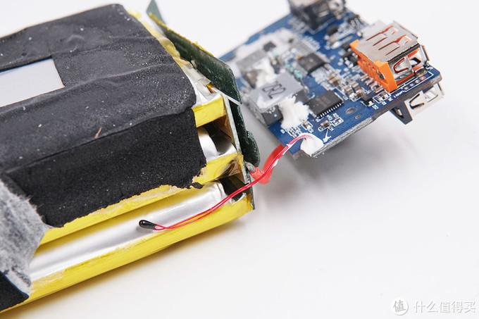 拆解报告:倍思30000mAh移动电源BS-30KP303