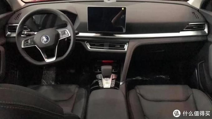比亞迪宋pro新車搶拍:最低配最劃算,想開天窗全靠運氣