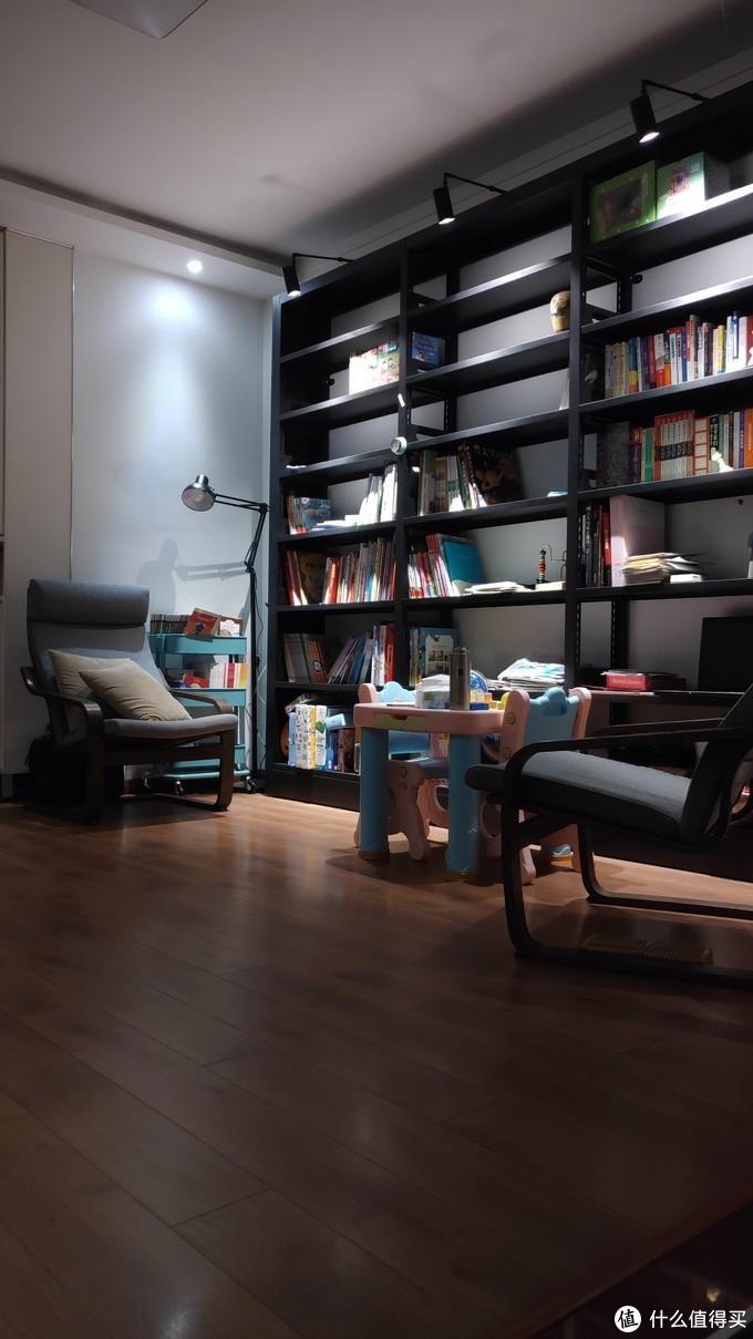逃离舒适区  客厅变书房
