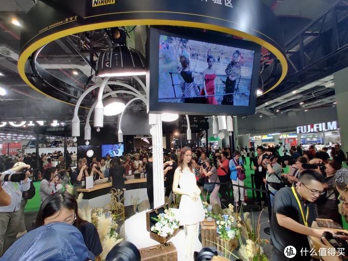 妹纸镇楼,十年器材老司机的P&I上海摄影器材展索引、回顾及点评