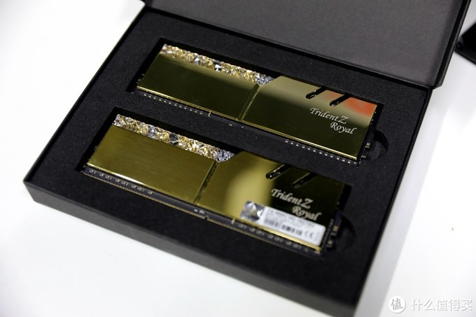 AMD新卡终于到来,5700和2060谁才是真甜品级显卡?