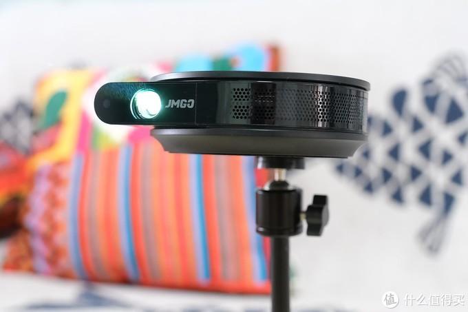 坚果T9智能4G投影仪最美评测:对焦速度快出极致 亮度便携无敌手