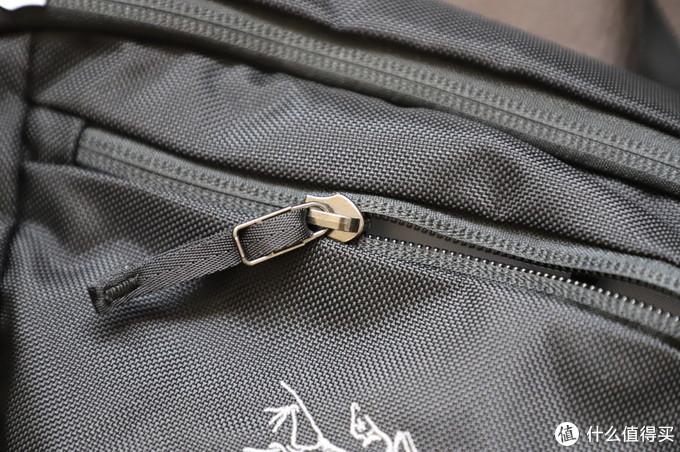 ARC'TERYX始祖鸟 Maka1/2随身包,解放你的双手和口袋。