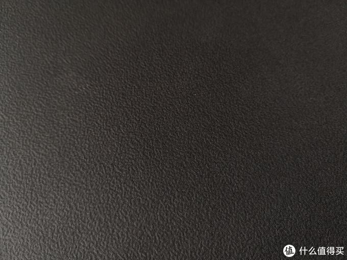 防泼水可清洗+新型工艺热聚合成型+微涂层鼠标垫——技嘉 AMP300 鼠标垫试水体验
