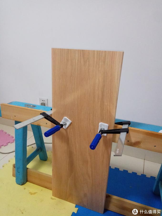 """阿基米德说过:""""给我一把手电钻,我可以DIY个书架墙。"""""""