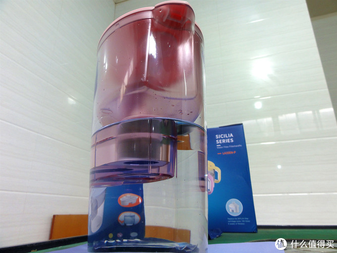 莱卡牌净水壶过滤的矿物质水 喝出好气色