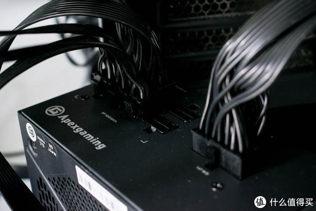 仅售399元的750W全模组电源可以用吗?实际测试开机就吓了我一跳