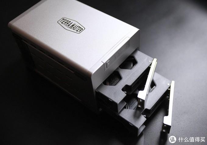 铁威马F2-210配西数红盘,不仅是NAS那么简单!