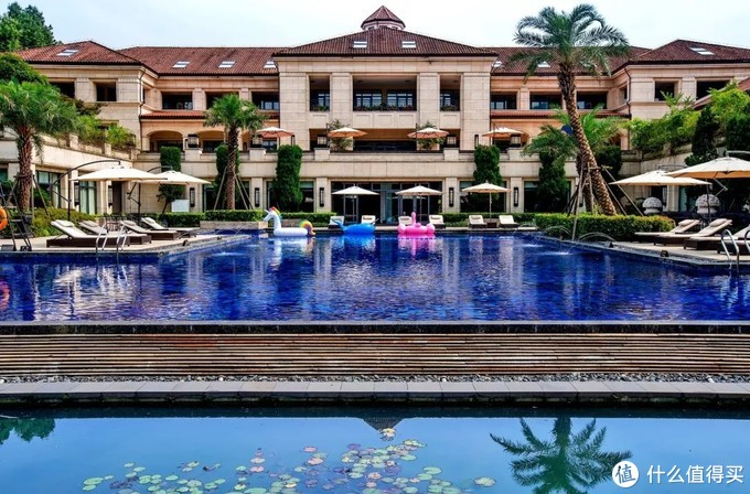 避暑消夏,这些酒店的高颜值泳池和水疗,值得你专程去住一晚!