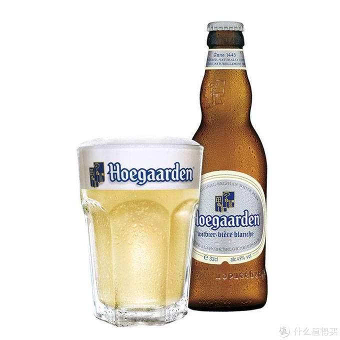 颜色淡黄偏白,是名副其实的白啤
