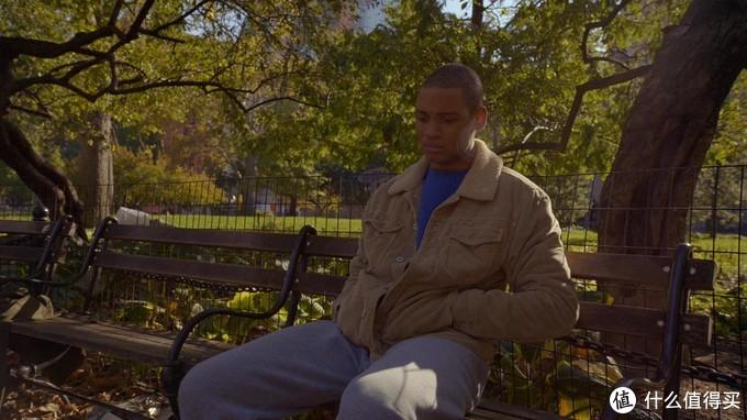 达蒙Damon Richards是本片中的希望所在。因为对父亲坦白了自己是同性恋的事实。结果被父亲从家里赶了出去。达蒙有着出色的跳舞天赋。进入了正规的舞蹈学校学习。在本剧中可以说是接受最好的教育,最好的出路了。被他独自来到纽约,睡在街边的长椅上,以街头跳舞卖艺讨饭吃。被妈妈桑布兰卡邀请到家里。然后带他去参加正规的舞蹈学校的学习。被布兰卡寄予了非常高的期待。