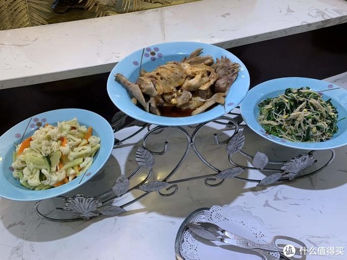 三样其它凉菜,凉拌菜花,口水鸡、凉拌豆芽