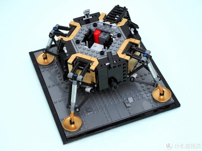 旅人1969~纪念人类首次登上月球的乐高10266和21309