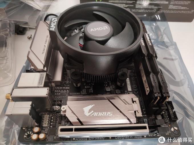 风扇上的AMD标志凸起注意不要冲内存方向,会冲突