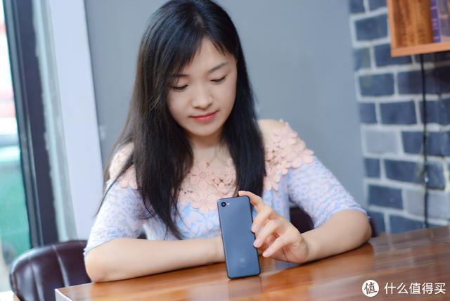 小米多亲手机迎来全面屏新机,5寸高清屏,功能强大,可作主力机