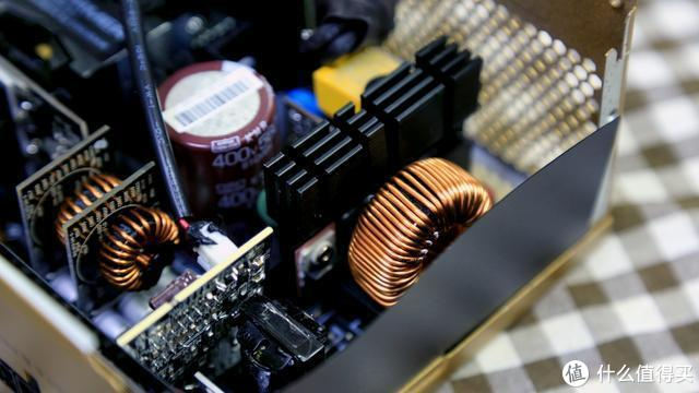 高端电源如何选?骨伽LLC650上手
