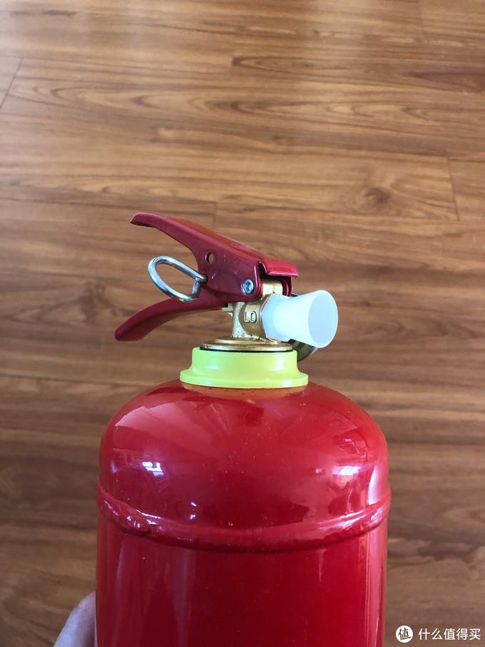 消防无小事,家中也请备个灭火器-淮海 干粉灭火器2公斤 开箱简评