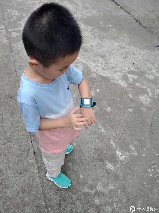 我家的孩子还小,调节到最小,戴着正合适