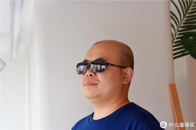 光头胖出镜篇七:戴上小米上新的TS偏光太阳镜夹片,你给我的帅气打几分