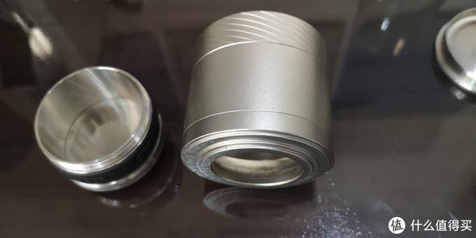 不锈钢碗上下都可拆开,就不多解释了。