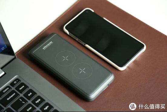 无线充电宝变身立式无线充,耐尔金解锁无线充电新姿势