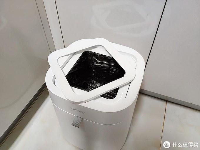 垃圾桶也智能,网友:价格不贵,如果会自动分类就更好