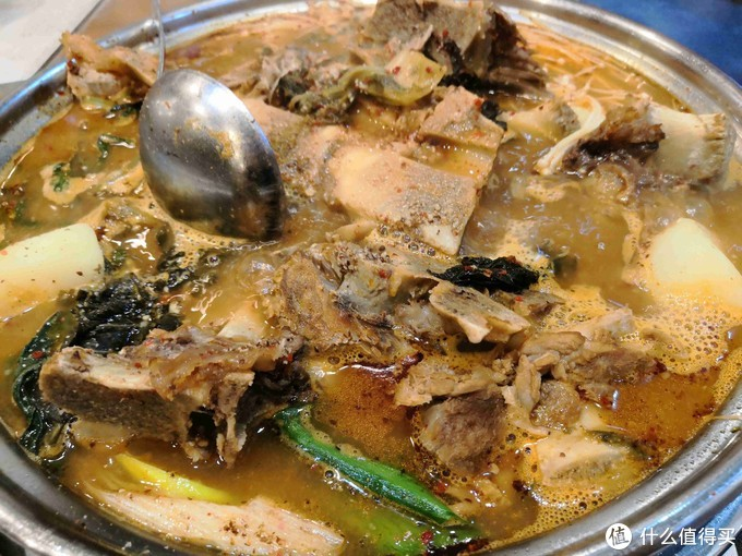 韩国街「达乐坊」,正宗思密达的脊骨土豆汤