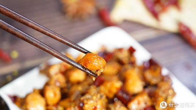 """厨师长教你:""""拔丝红薯""""的家常做法,口感爽脆又清甜,先收藏了!"""