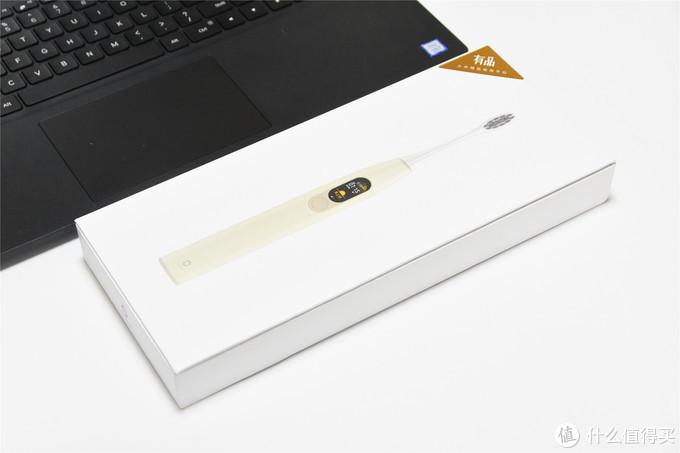 小米打造全球第一款触屏电动牙刷,华米旗下,多一块屏幕好用吗?