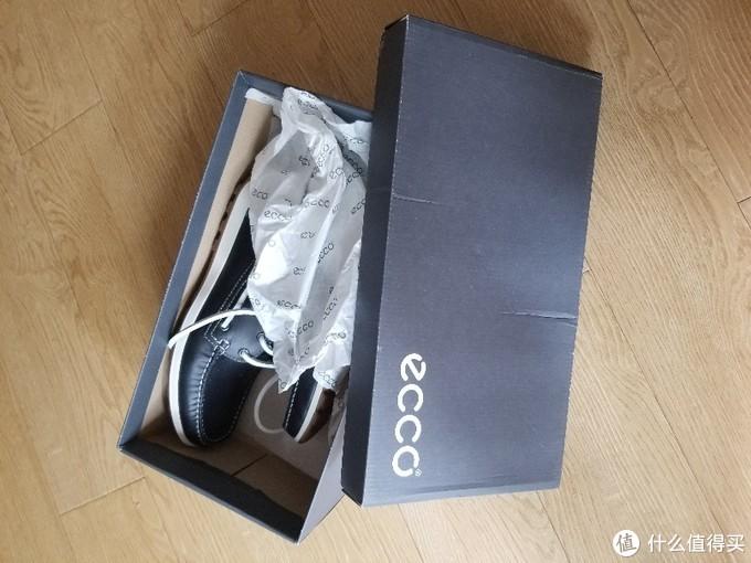 皱巴巴的鞋盒,这狠ECCO