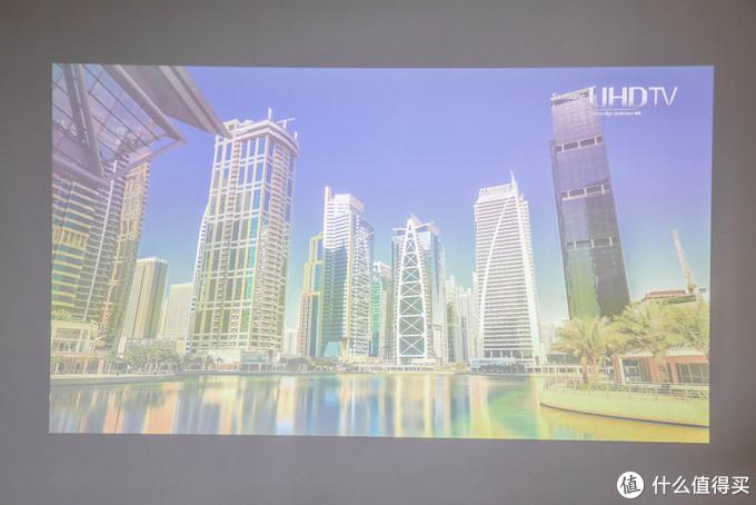 宅家享受4K超高清成本不足万元,影院级明基TK800M投影入手体验