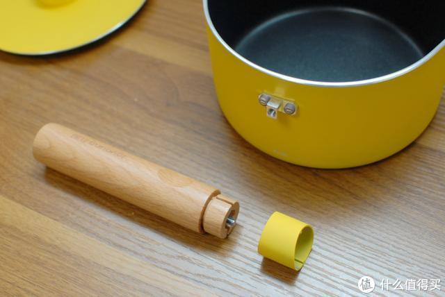和布朗熊一起做面条九阳LINE FRIENDS面条机:在家轻松制作面食