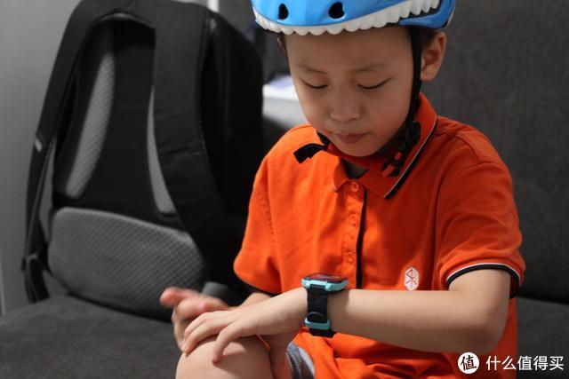 简单实用的360 SE5儿童安全手表
