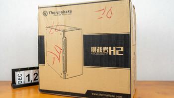 Tt挑战者H2 黑色 中塔机箱外观展示(开槽 灯带 风扇位 侧面 档槽)