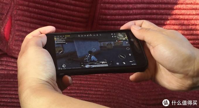 有助攻,无负担 -魔派暗刺蓝牙游戏手机壳试玩