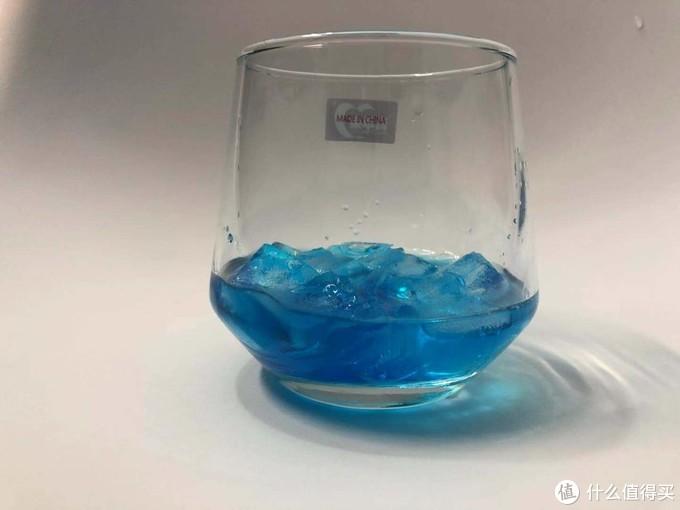 夏日特饮之这一杯谁不爱,蓝橙益力多气泡水