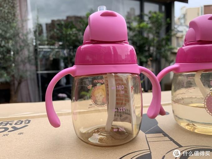 学饮杯当成奶瓶来用——贝亲 双把手 学饮杯