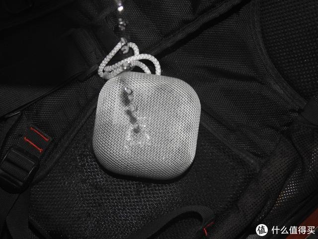 一颗小石块也能让音乐澎湃—omthing蓝牙音箱测评