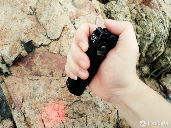 独具特型、无声体验--奈特科尔P18双光源静音战术手电