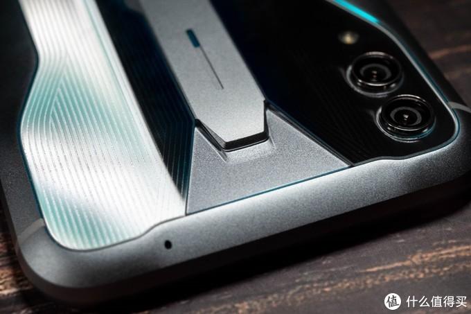 再次进化,855Plus和UFS3.0加持,黑鲨2Pro游戏手机评测