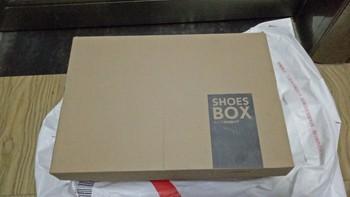 INTERIGHT男式反绒沙漠靴外观展示(鞋底|颜色|鞋绳|鞋面|材质)
