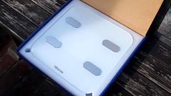 云康宝健康秤开箱展示(秤面|称脚|电池仓|数据线|电池)