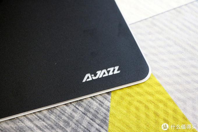 RGB鼠标垫还可和键鼠联动,AJAZZ黑爵三剑客套装打造更炫酷桌面